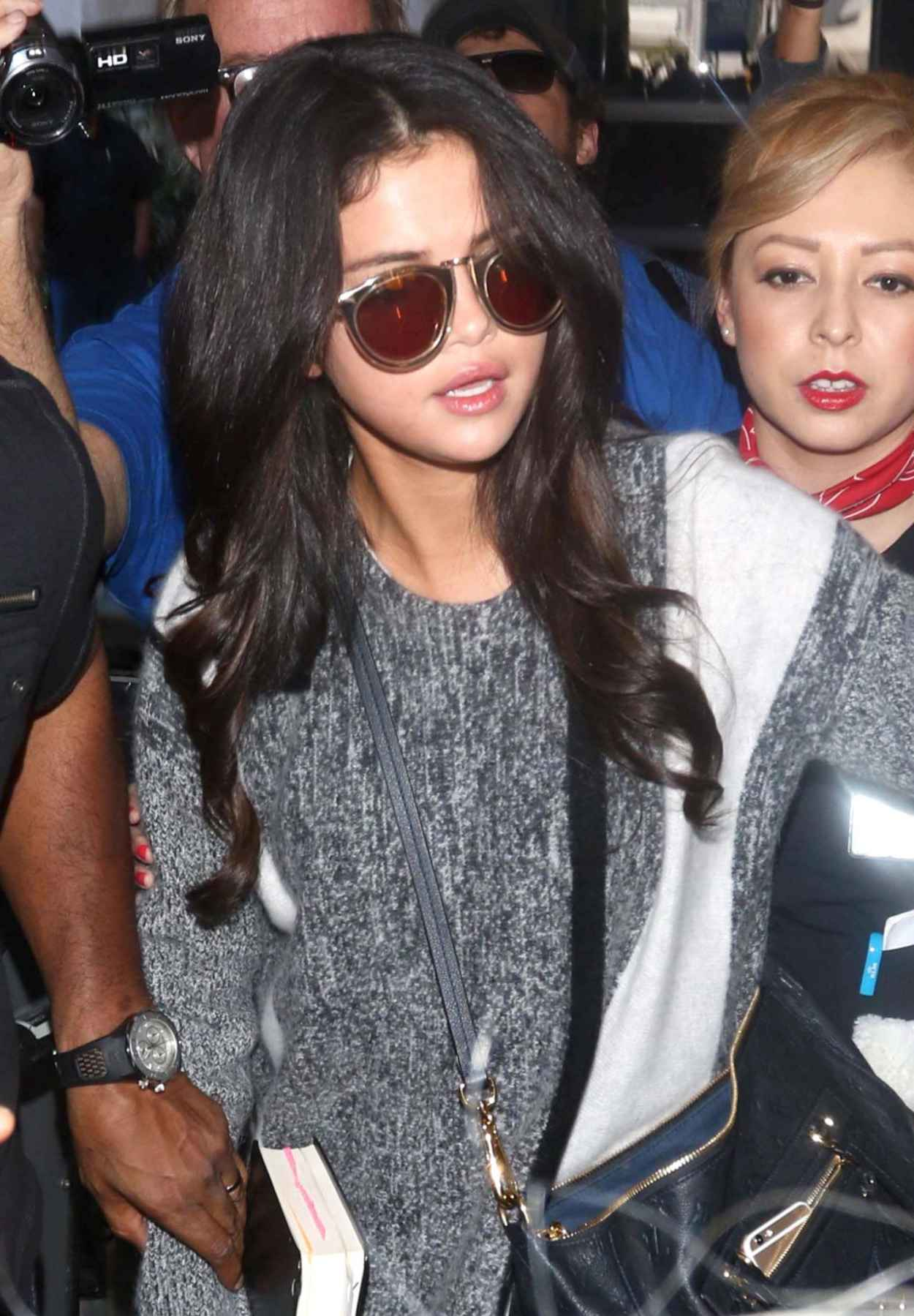Selena gomez Lovey amp Cutest 50 skirts Outfits