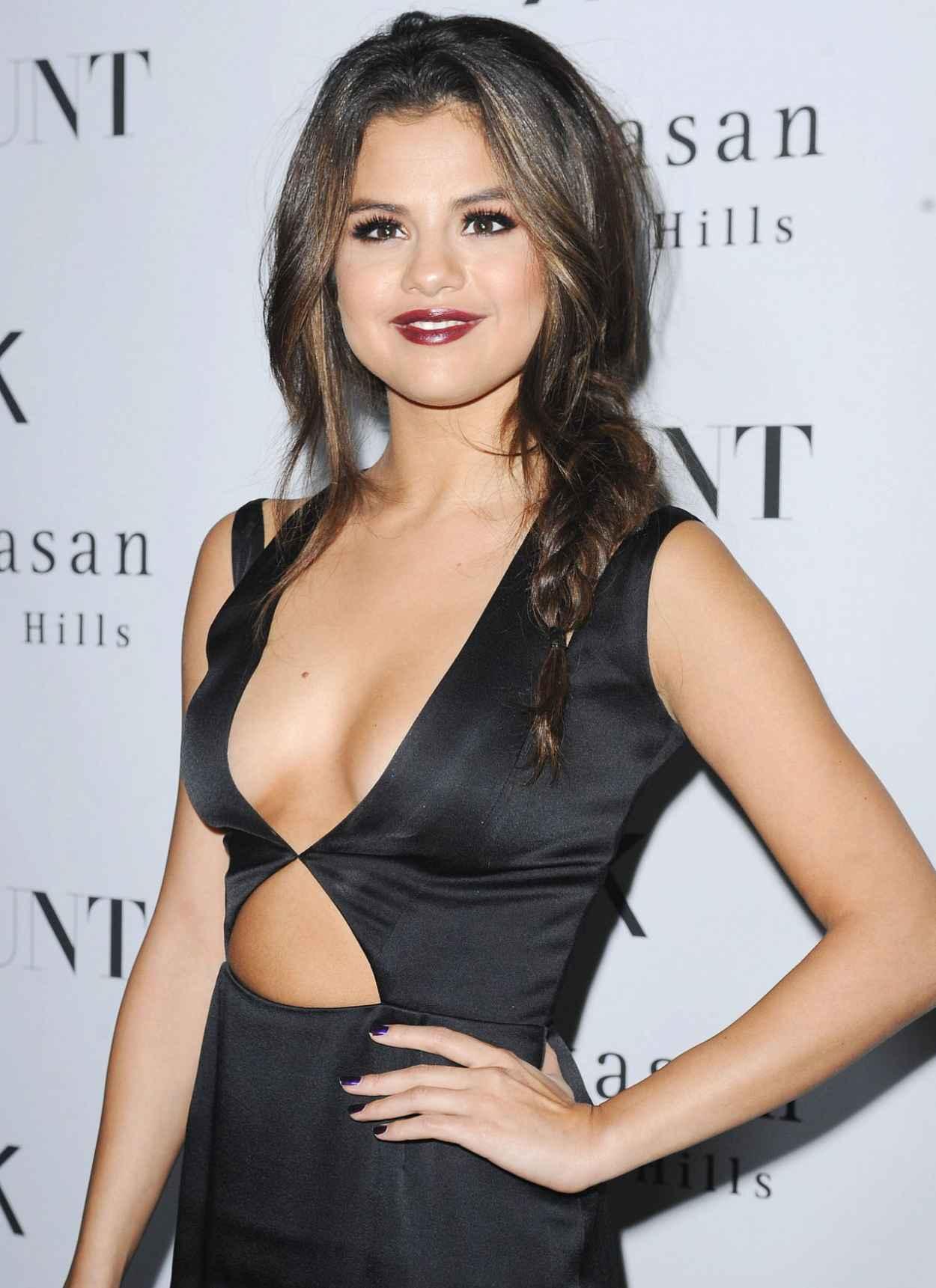 Selena Gomez on Red Carpet - FLAUNT Magazine Release Party-1