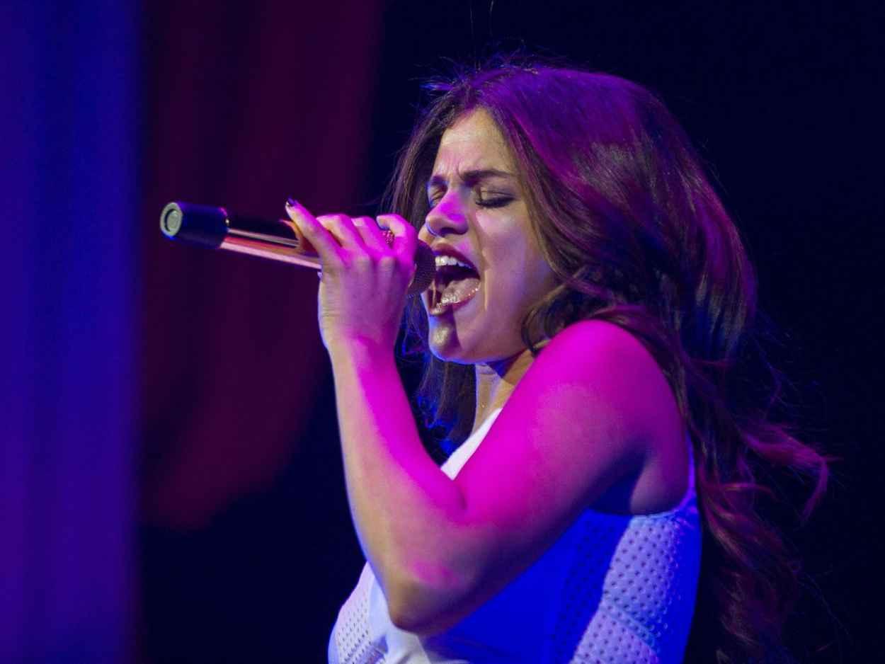 Selena Gomez Performing in Indianapolis - November 2015-1