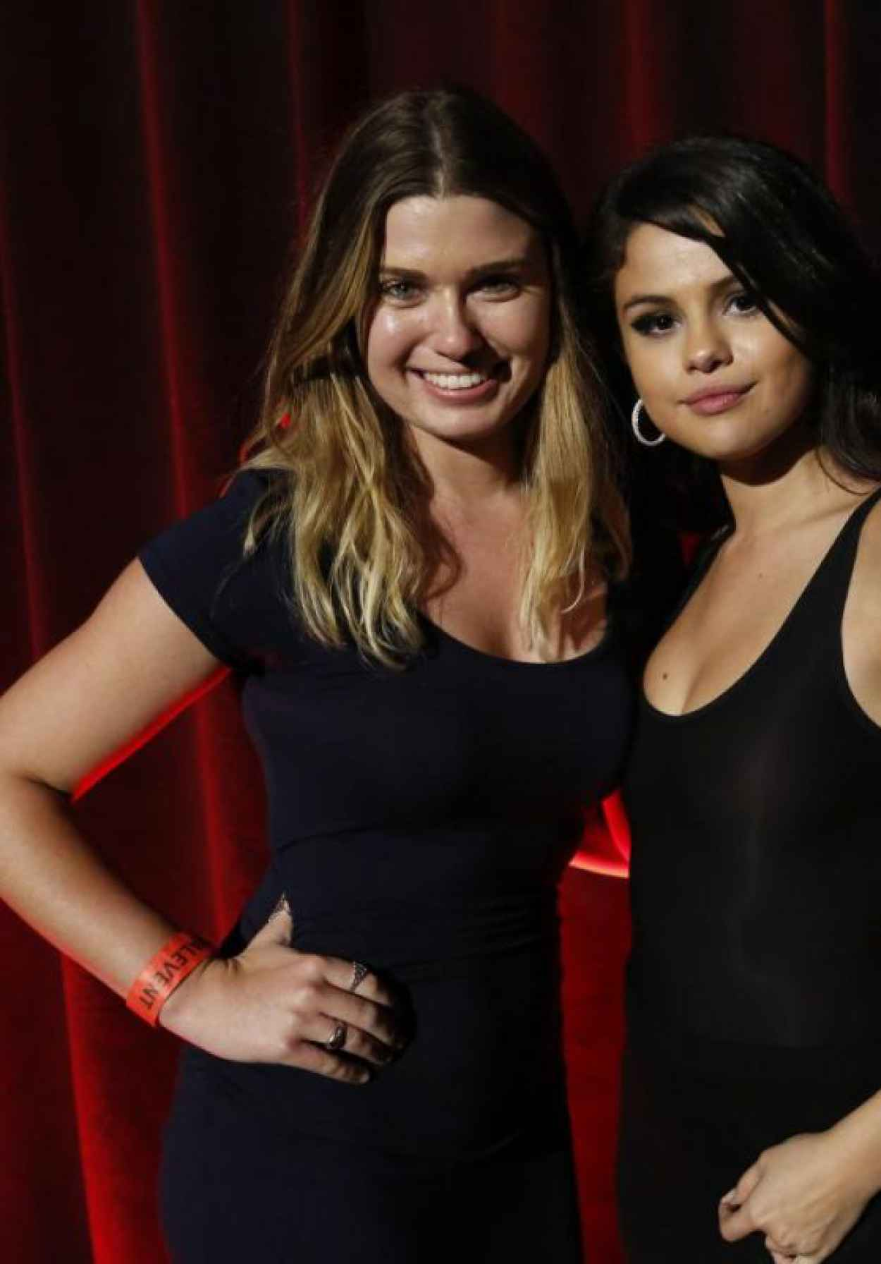 Selena gomez revival event fan meet greet in los angeles selena gomez revival event fan meet greet in los angeles m4hsunfo Image collections