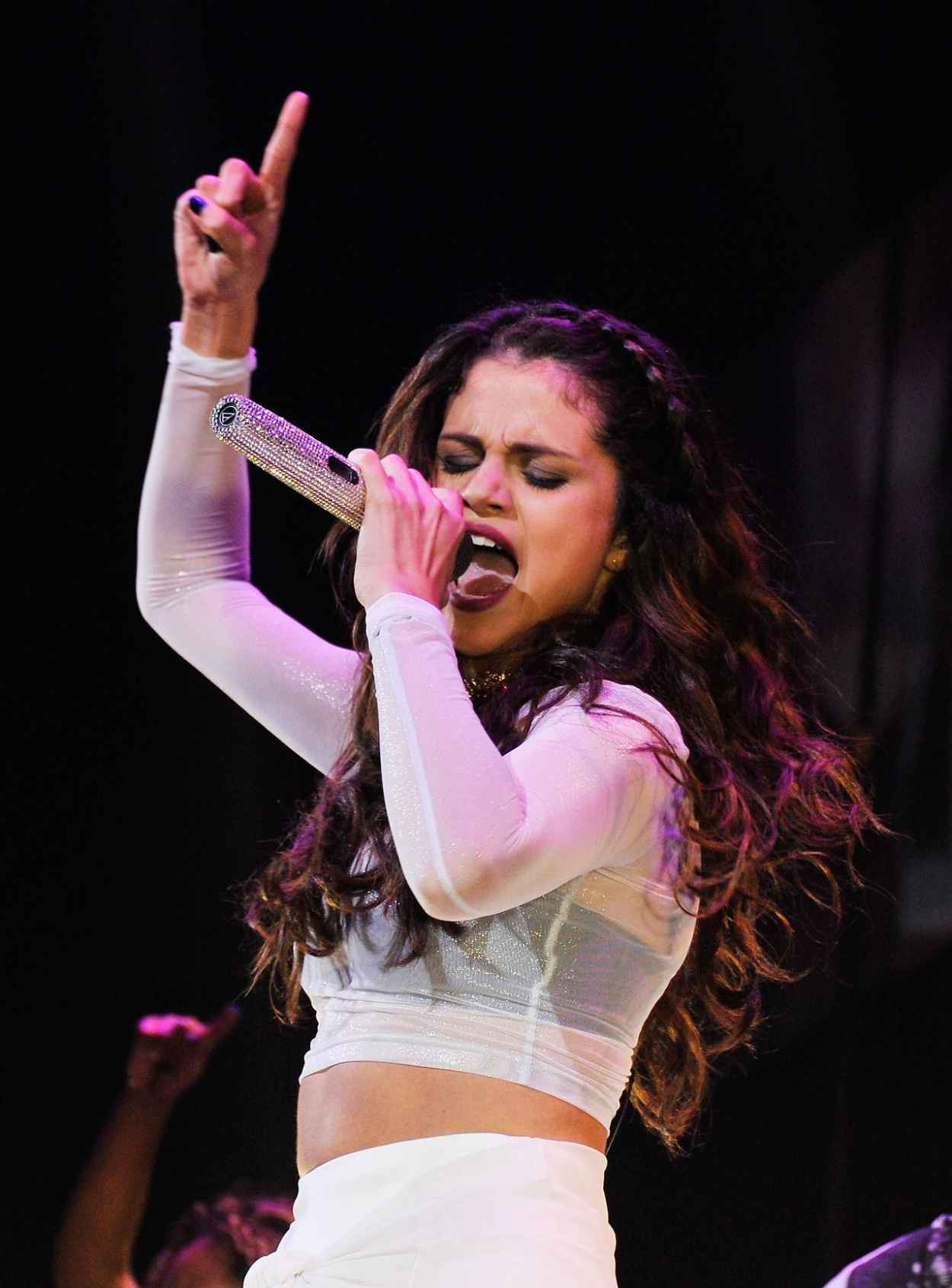 Selena Gomez - Stars Dance Tour performance in Brooklyn-1