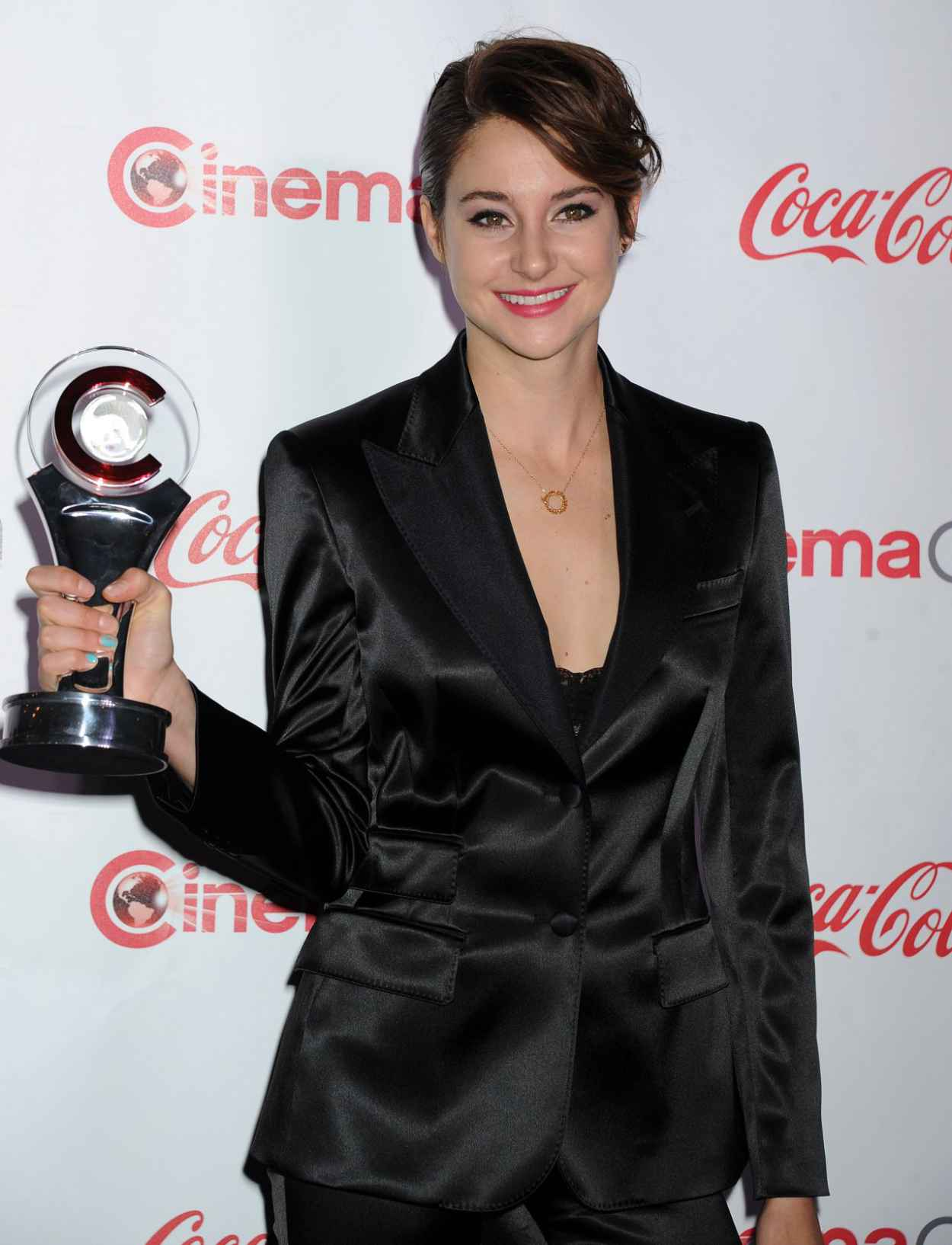 Shailene Woodley in Dolce & Gabbana satin Navy Suit - CinemaCon 2015 - The Big Screen Achievement Awards-1