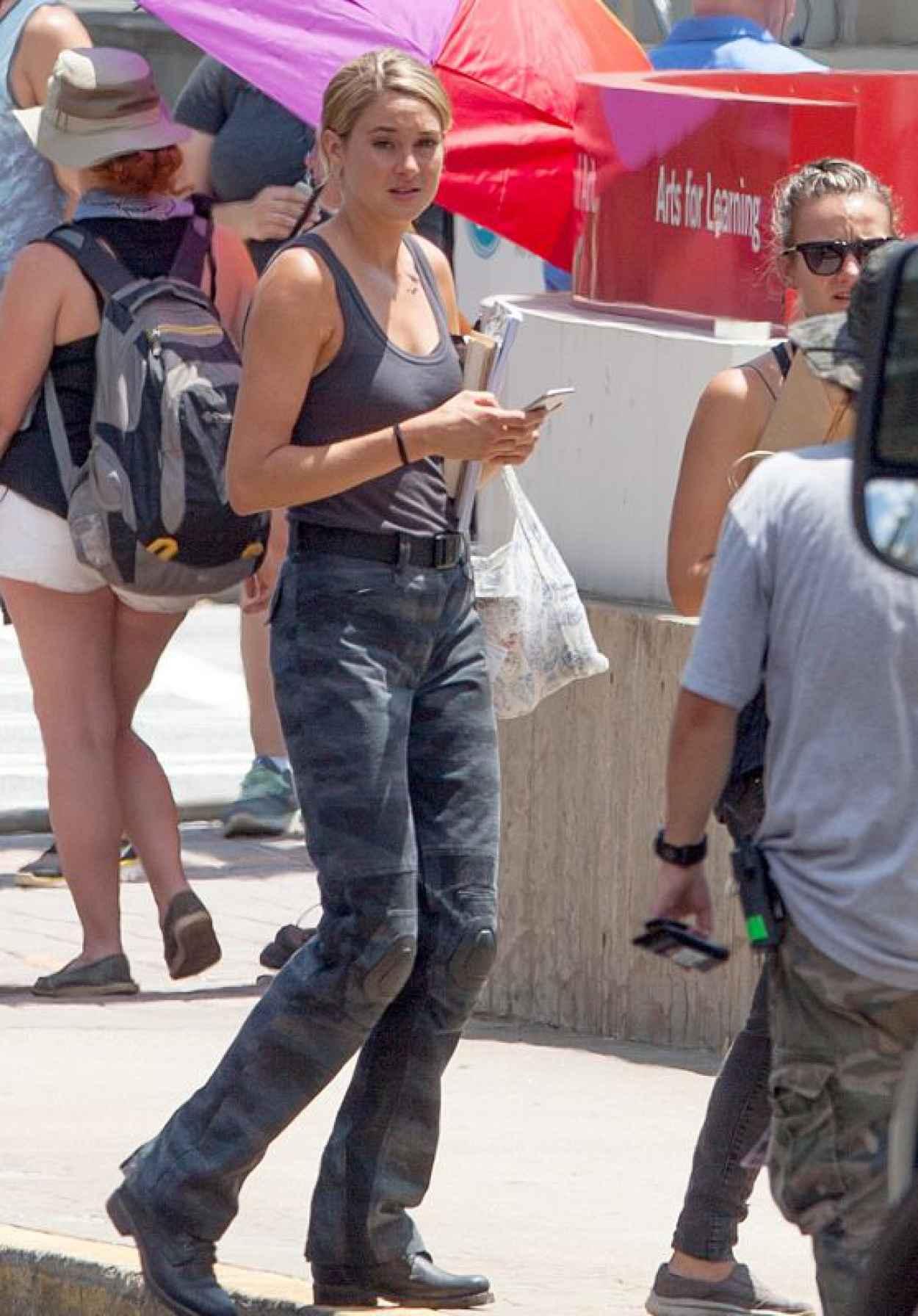 Shailene Woodley on the Set of Allegiant - Part 1 in Atlanta, July 2015-1