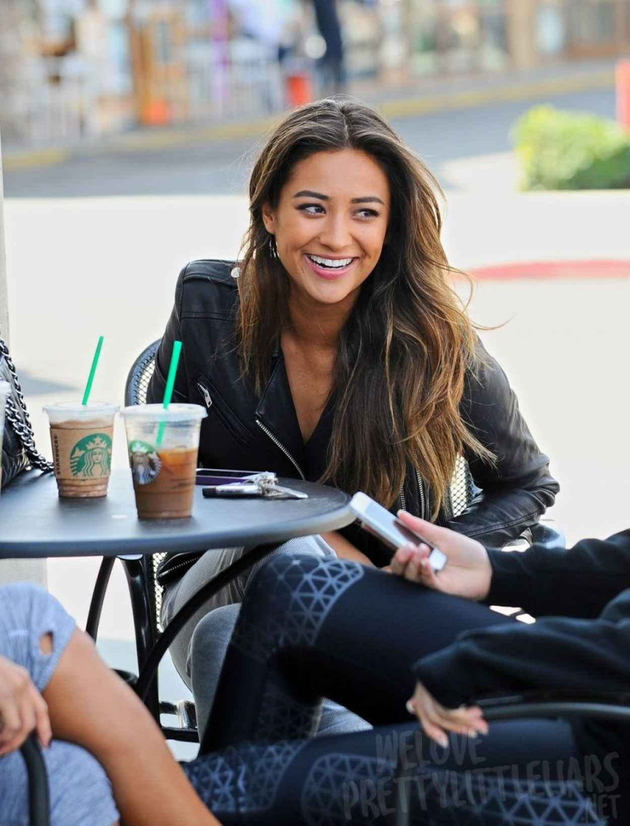 Shay Mitchell Casual Street Style - Out for Lunch With Friends - March 2015-1