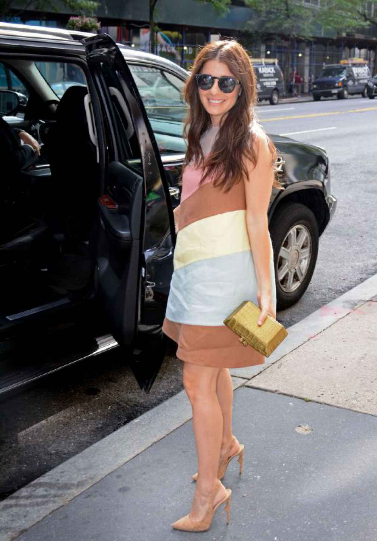 Shiri Appleby - Outside PIX11 Morning News Studio in NYC, July 2015-1