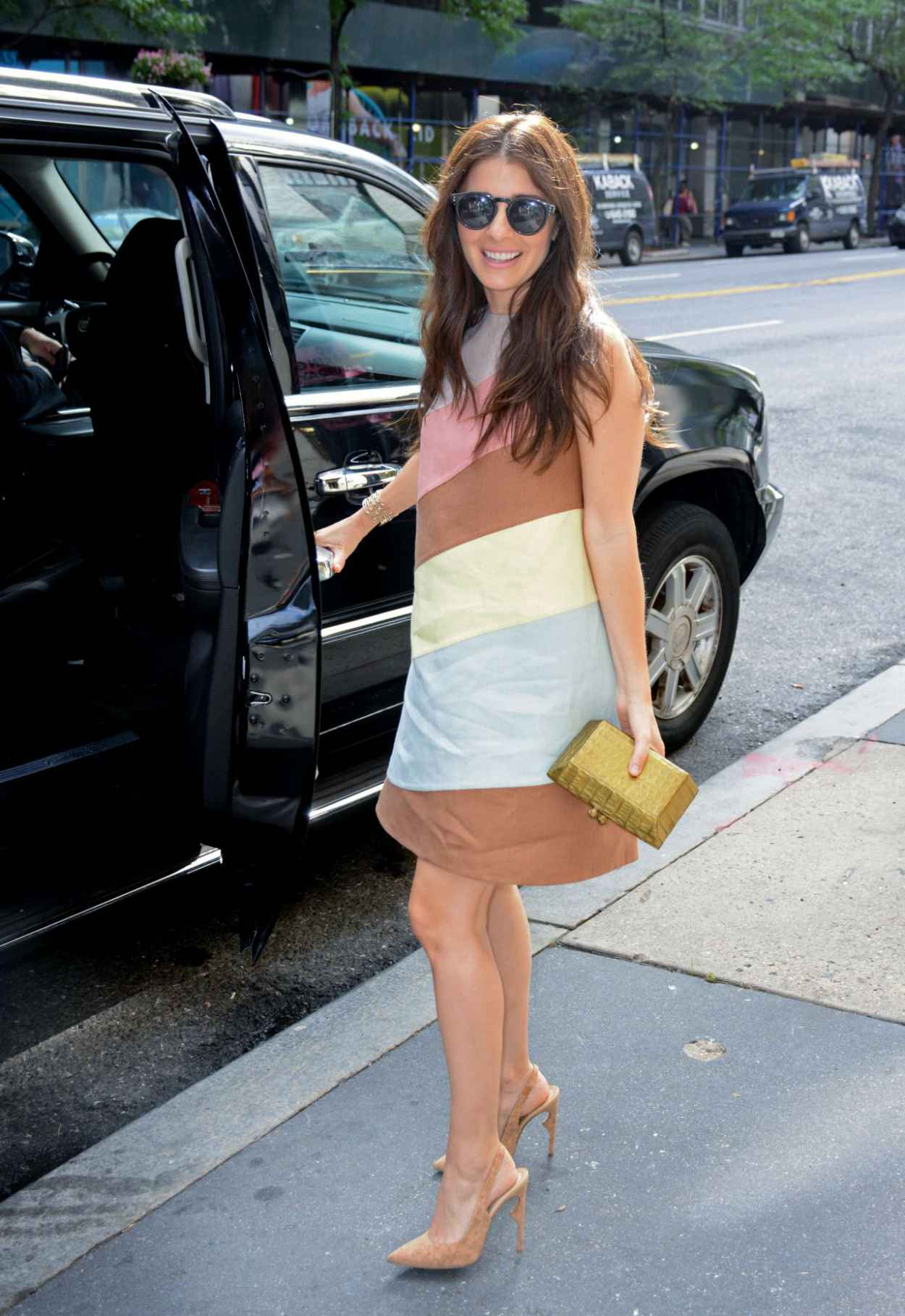 Shiri Appleby - Outside PIX11 Morning News Studio in NYC, July 2015-5