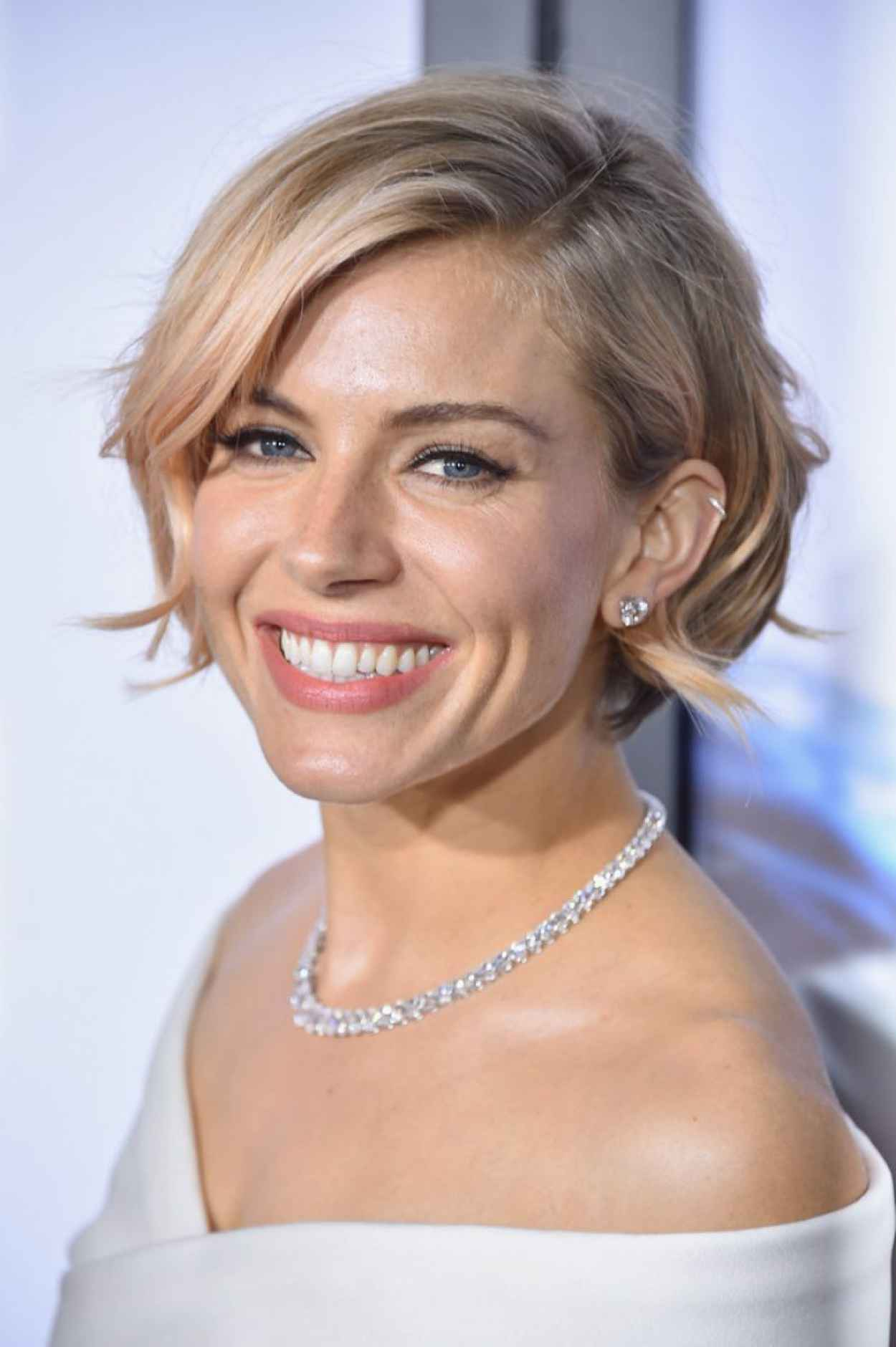 Sienna Miller - American Sniper Premieres in New York City-1