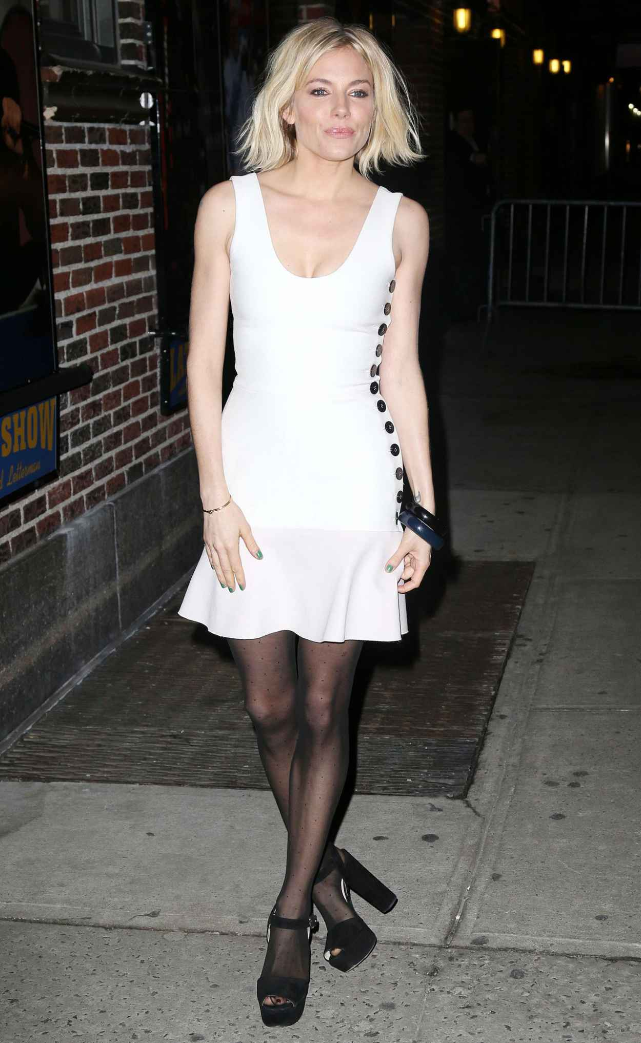Sienna Miller Style - Arriving at the David Letterman Show in New York, Feb. 2015-1