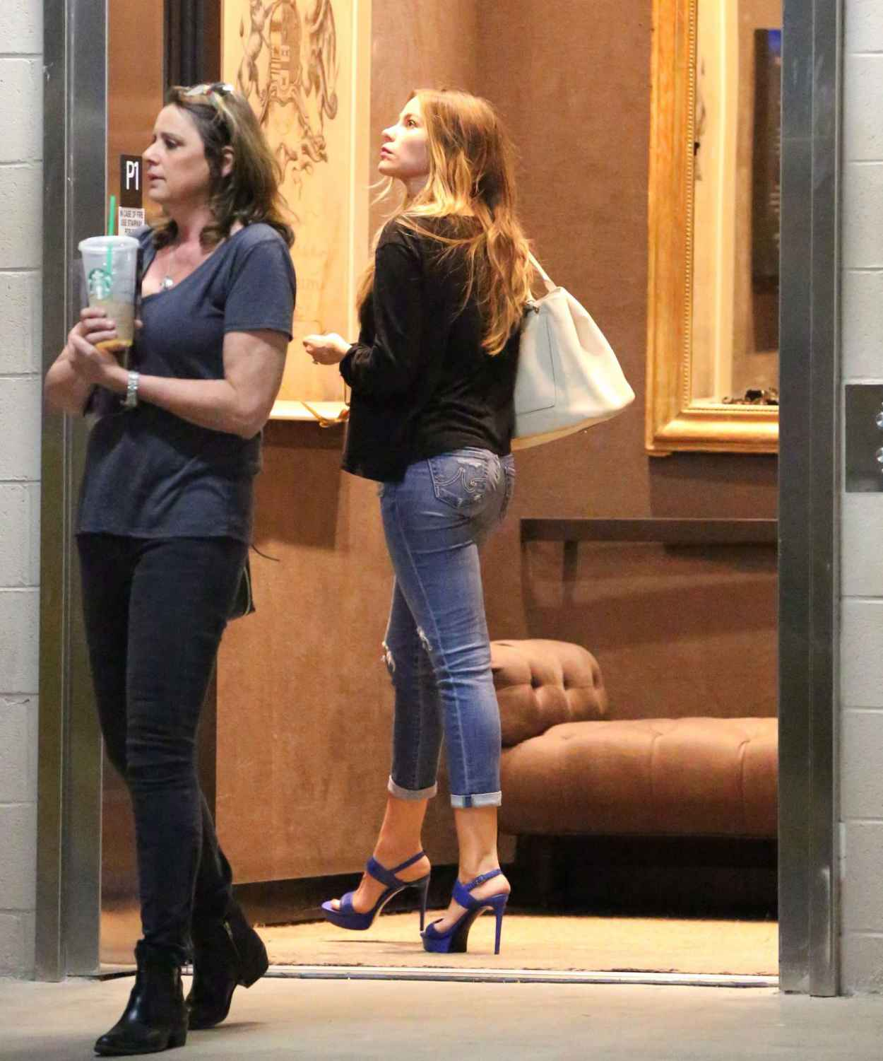 Sofia Vergara Booty in Jeans - Out in Los Angeles, April 2015-5