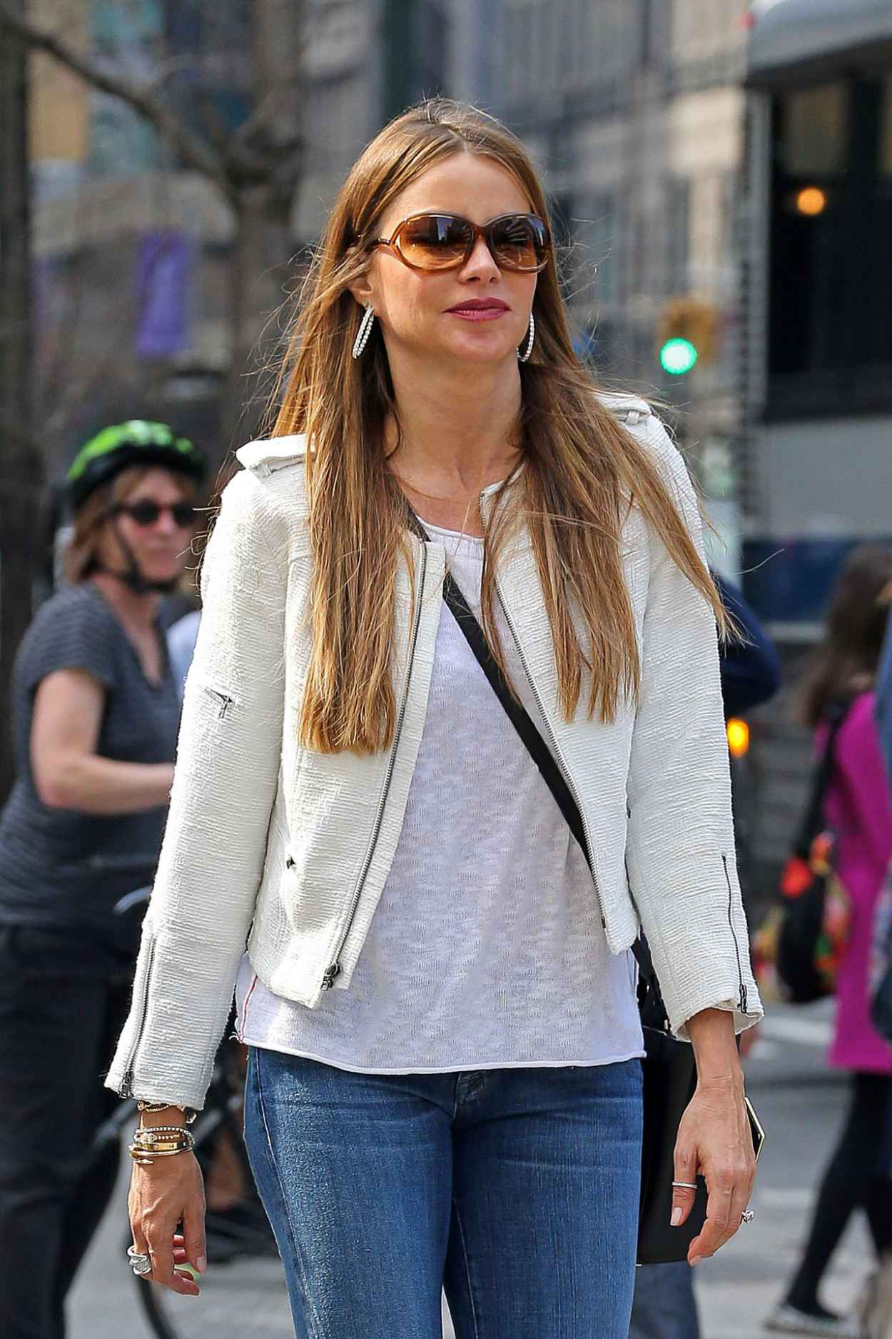 Sofia Vergara in Jeans - Out in New York City - April 2015-1