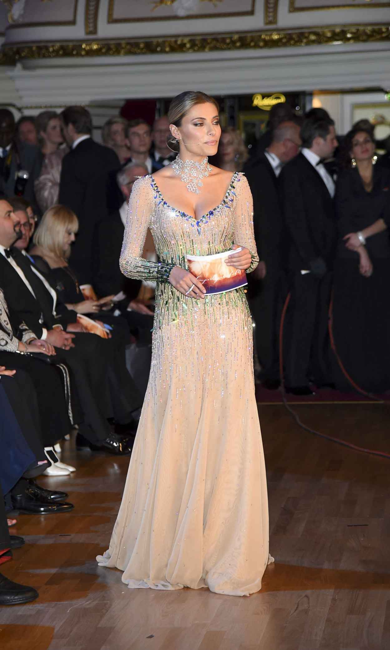 Sophia Thomalla - 10. SemperOpernball 2015 in Dresden-3