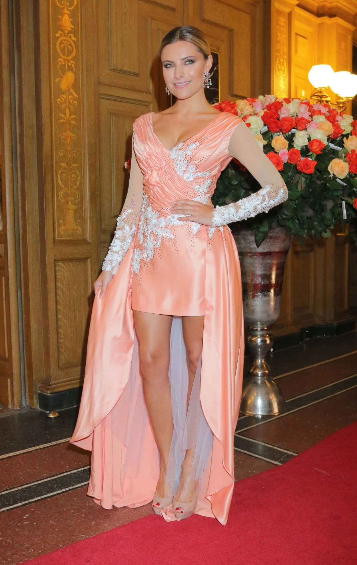 Sophia Thomalla - 10. SemperOpernball 2015 in Dresden-5