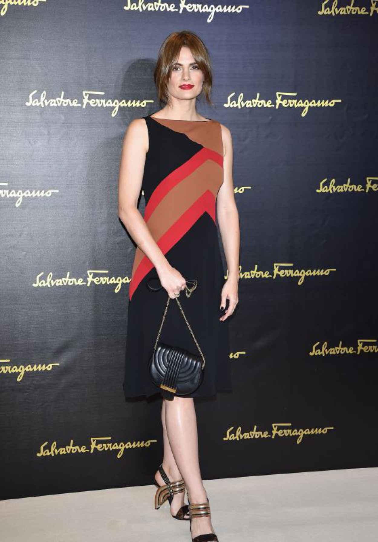 Stana Katic - Salvatore Ferragamo - Milan Fashion Week SS16-1