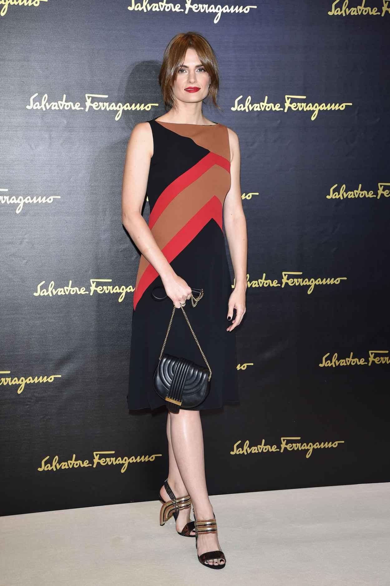 Stana Katic - Salvatore Ferragamo - Milan Fashion Week SS16-3