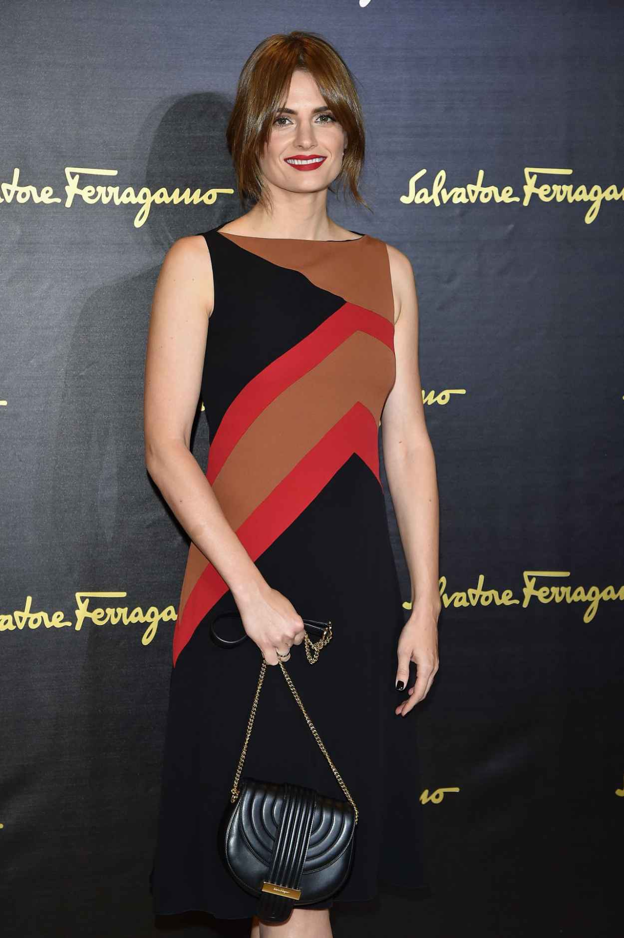 Stana Katic - Salvatore Ferragamo - Milan Fashion Week SS16-4