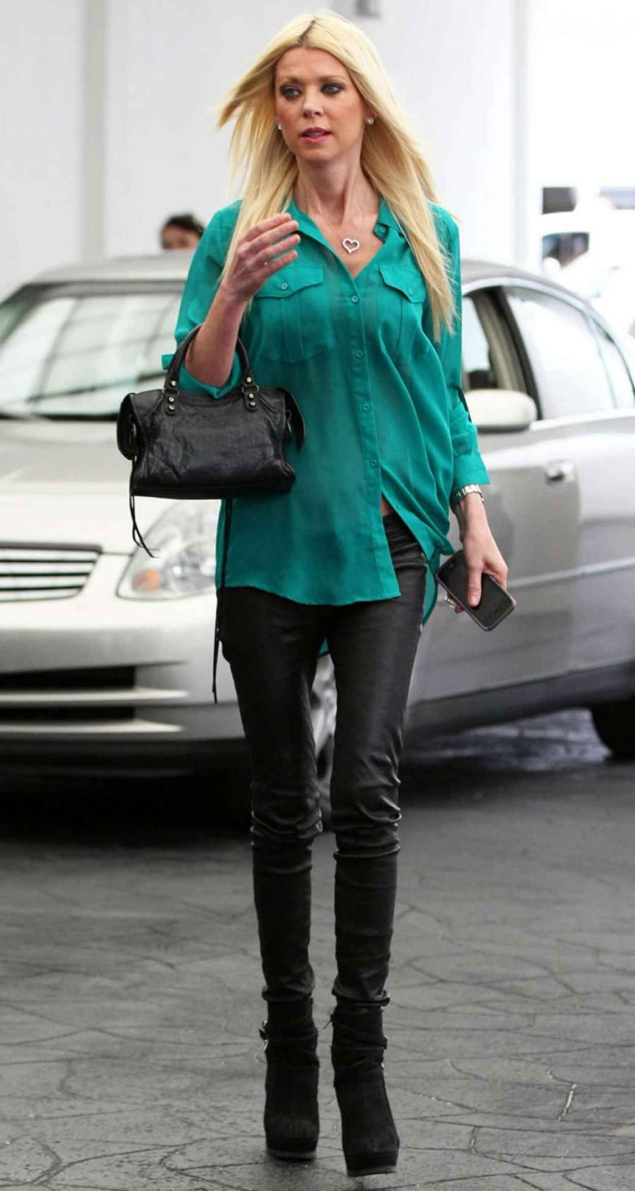 Tara Reid Casual Style - Out for Lunch in Beverly Hills, March 2015-1