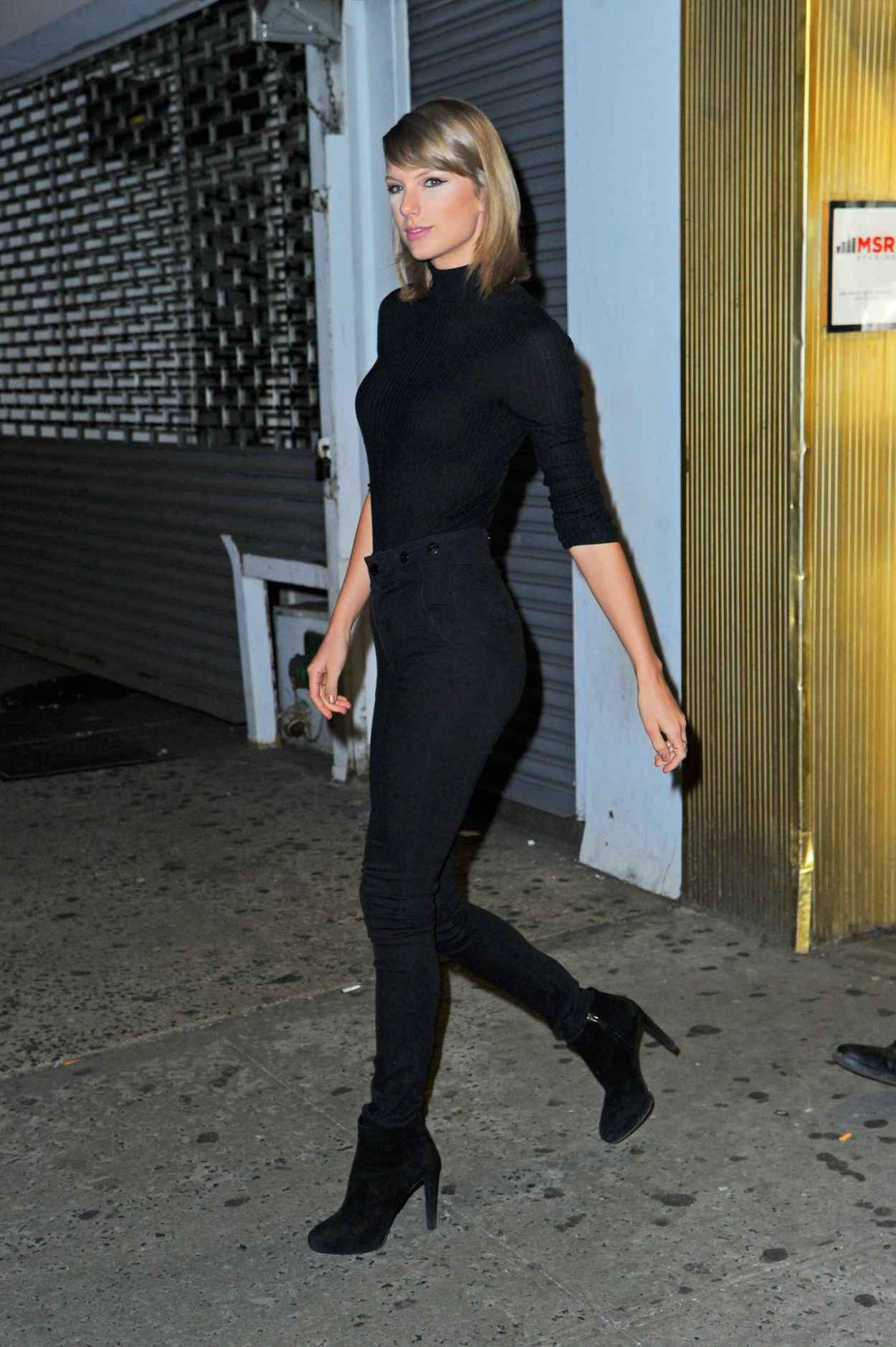 Taylor Swift Booty in Jeans - Out in New York City, October 2015-2