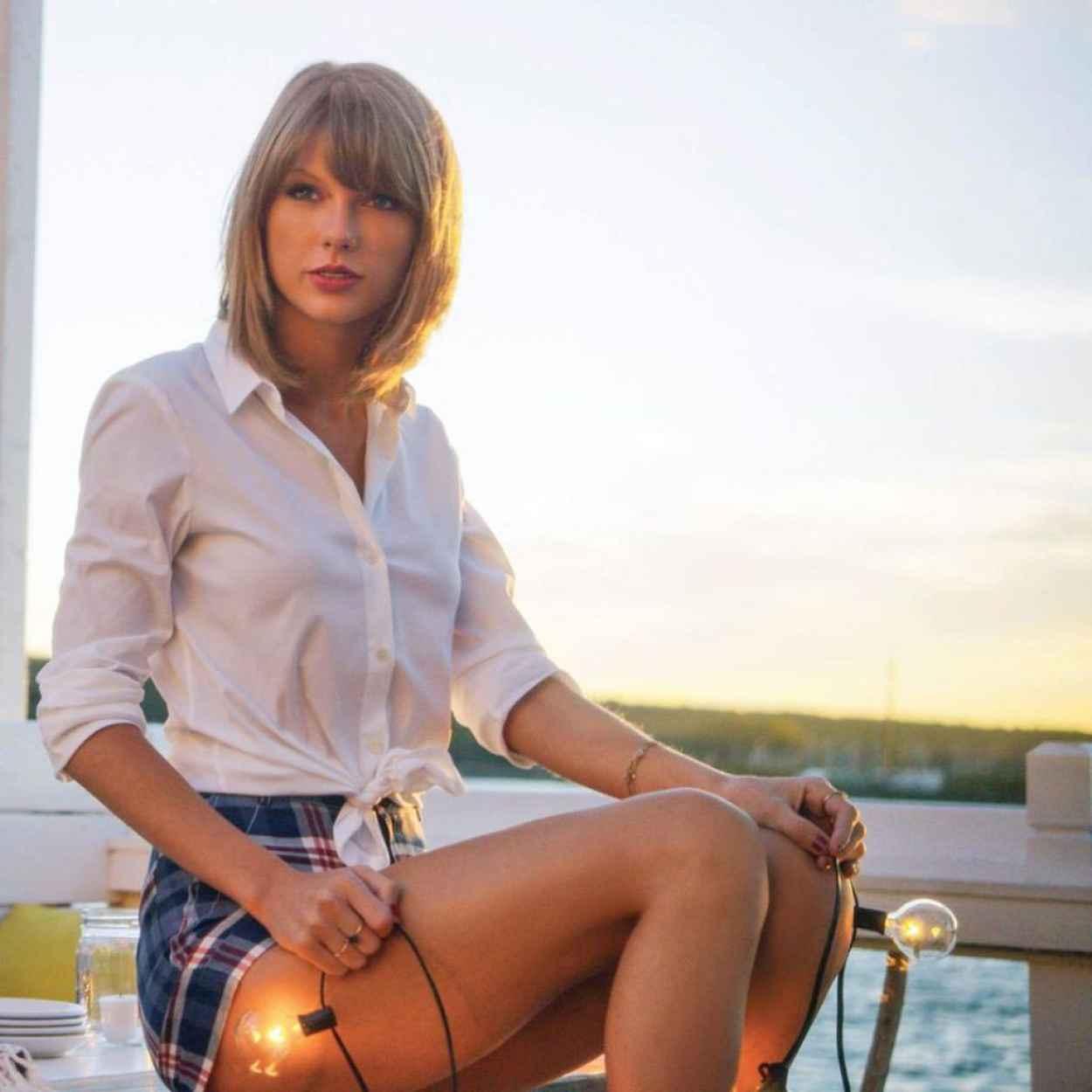 Keds Champion Taylor Swift Sneaky Cat - runrepeat.com