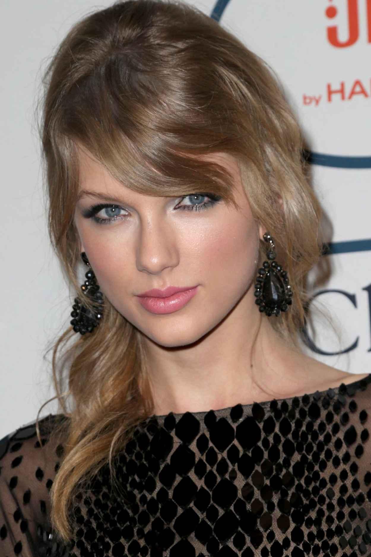 Taylor Swift - Pre-GRAMMY Gala in Los Angeles, January 2015-1