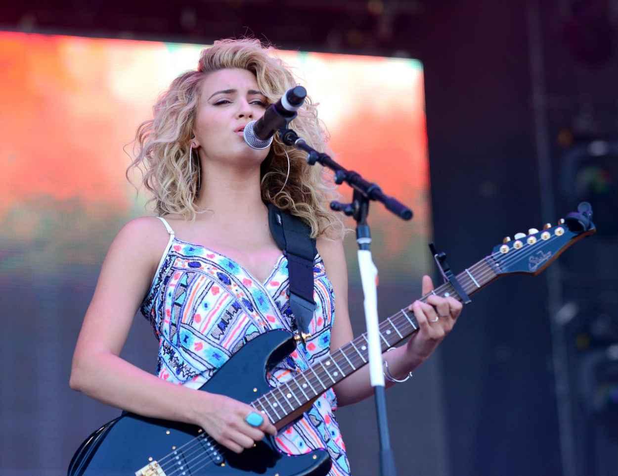 Tori Kelly - 2015 iHeartRadio Music Festival in Las Vegas-2
