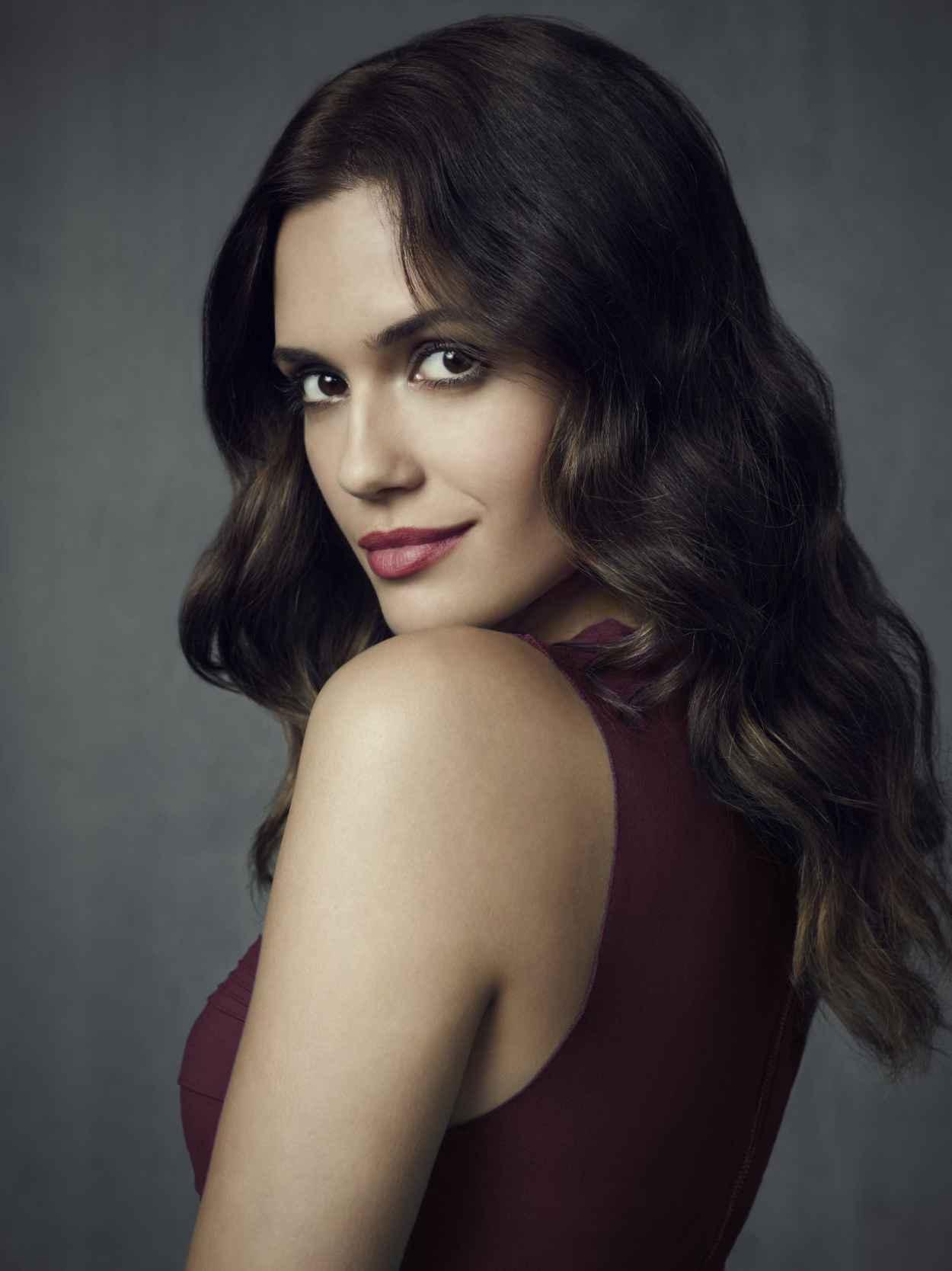 Torrey DeVitto - -The Vampire Diaries- TV Series - Season 4 Promo Photos-1