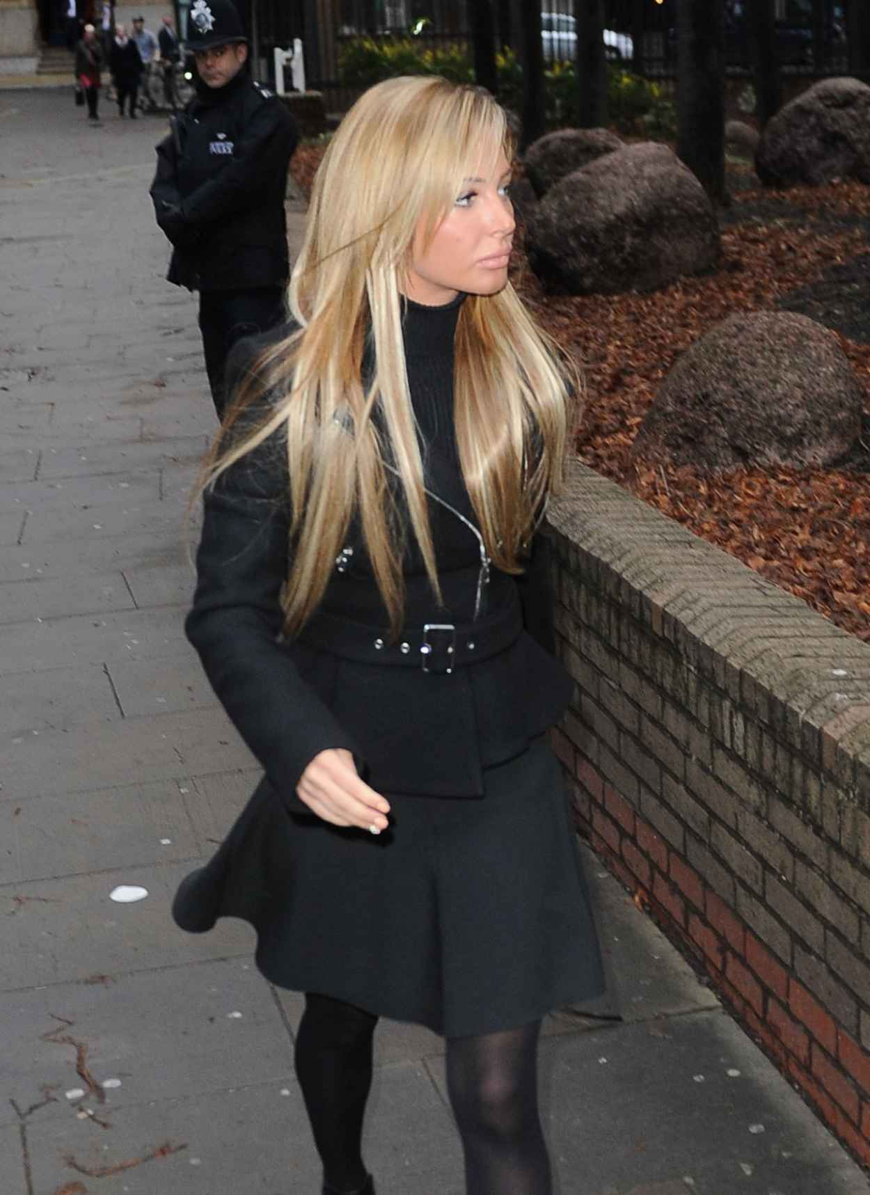 Tulisa Contostavlos Arrives at Southwark Crown Court - United Kingdom January 9, 2015-1