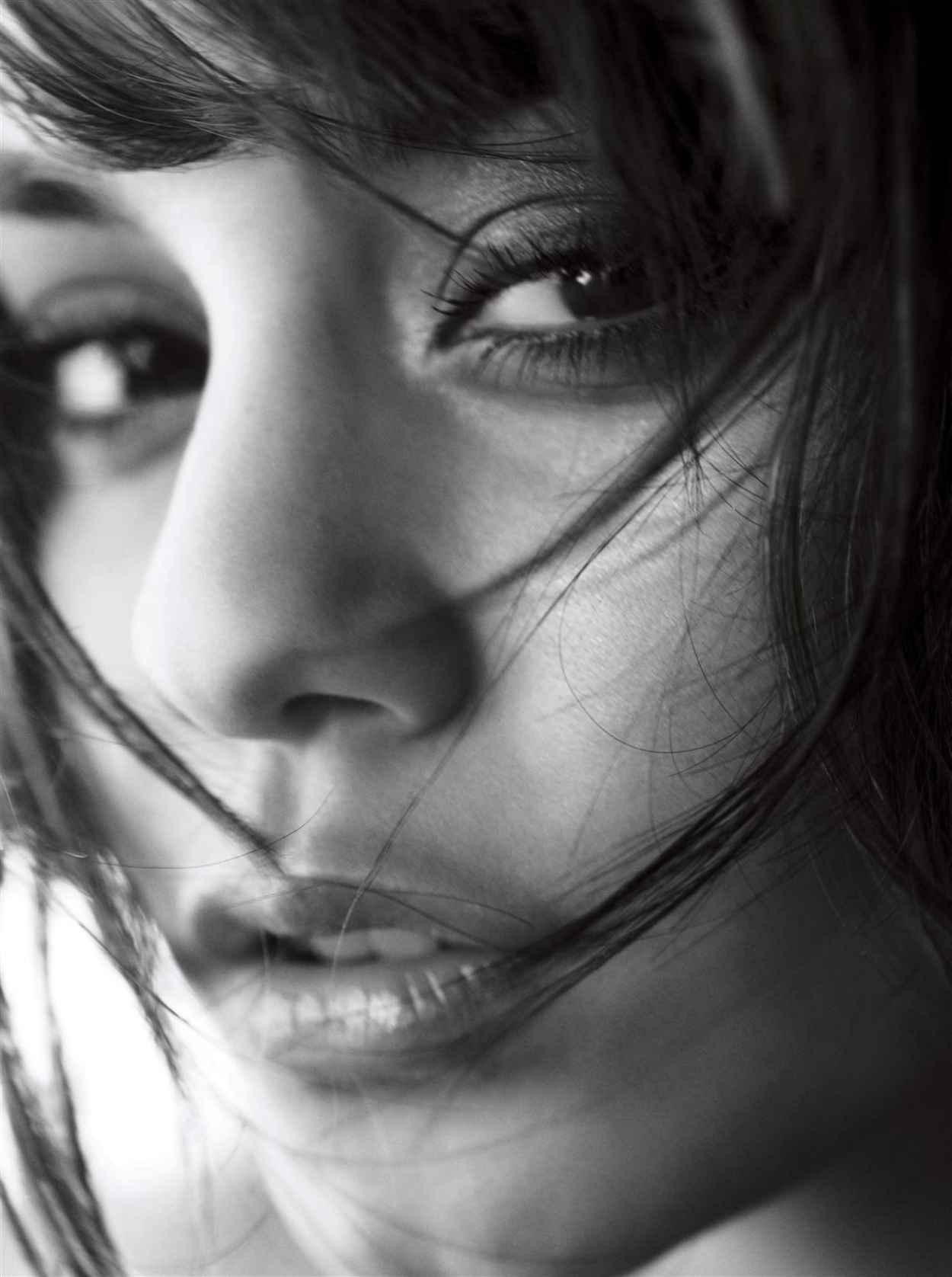 Vanessa Hudgens Photoshoot for ALLURE Magazine - October 2009-4