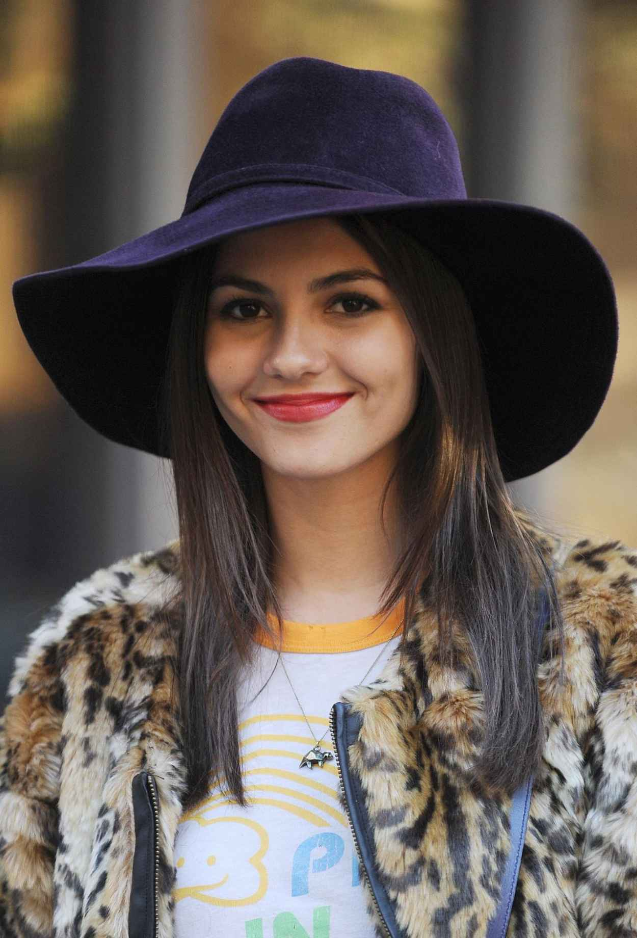 Victoria Justice - Naomi and Elys No Kiss List in New York City-1