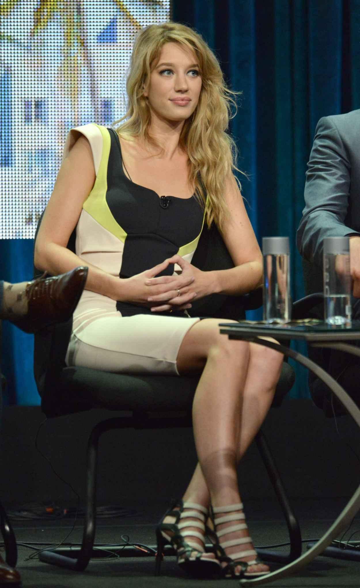 Yael Grobglas - The CW Summer 2015 TCA Tour-2