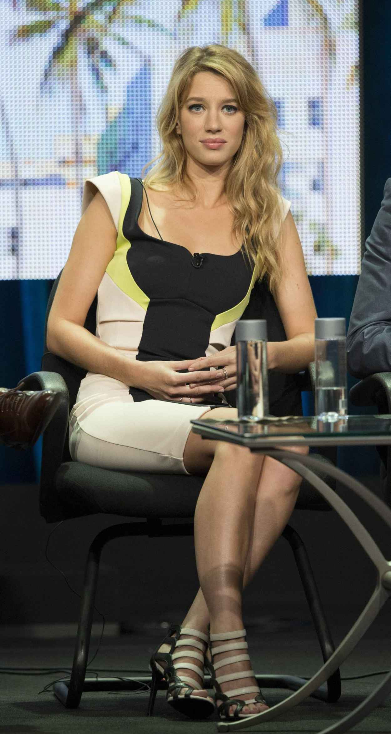 Yael Grobglas - The CW Summer 2015 TCA Tour-1
